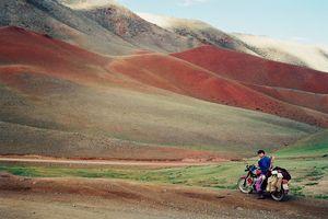 Ngưỡng mộ nhiếp ảnh gia dành tới 17 năm để chụp những bức ảnh đẹp đến kinh ngạc về Mông Cổ