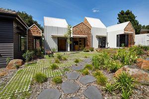 Ngạc nhiên trước mẫu thiết kế ngôi nhà do cặp song sinh 8 tuổi tự vẽ cho bố mẹ
