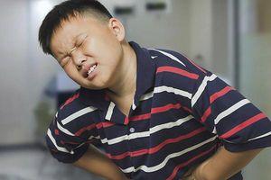 Nên kiêng gì và cách xử lý tại nhà khi trẻ bị đau dạ dày?