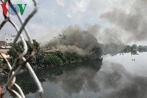 Hỏa hoạn thiêu rụi một cơ sở phế liệu ở TP HCM