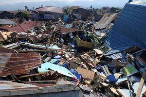 Một tuần sau thảm họa kép, Indonesia đối mặt với dịch bệnh và bất ổn