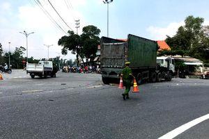 Lái xe đầu kéo bỏ khỏi hiện trường sau vụ tai nạn khiến người phụ nữ chết thảm