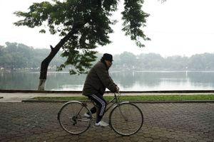 Miền Bắc sắp đón gió mùa Đông Bắc, Hà Nội trở lạnh