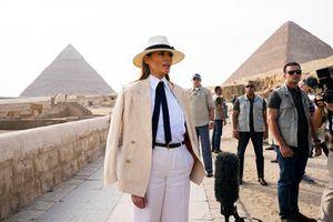 Đệ nhất phu nhân Mỹ mang phong cách Michael Jackson đến Ai Cập