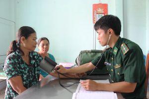 Giúp bà con Khmer ổn định cuộc sống