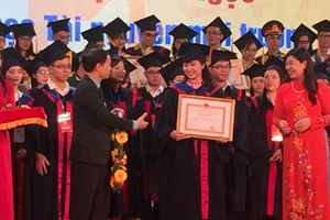 Hà Nội tuyên dương 88 thủ khoa xuất sắc năm 2018