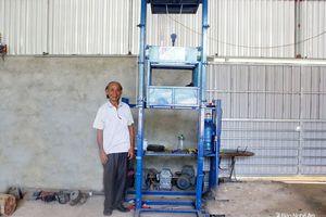 Cụ ông huyện miền núi Nghệ An sáng chế thành công thang nâng hạ an toàn