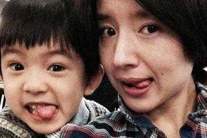 Con trai 'Hoàng hậu' Đổng Khiết ngày càng điển trai, đáng yêu