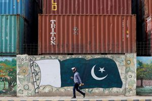 Pakistan cân nhắc trước khi dựa vào nguồn tín dụng của IMF