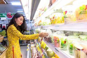 Cửa hàng tiện lợi: Muốn quả ngọt phải nuốt đắng