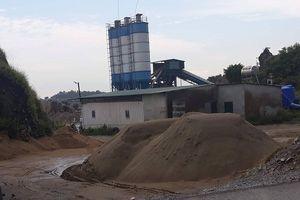 Thị xã Hoàng Mai (Nghệ An): Trạm trộn bê tông không phép bị đình chỉ vẫn ngang nhiên hoạt động?