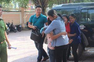 Đi với thanh niên lạ mặt, 2 nữ sinh Nghệ An bị bán đi làm thuê
