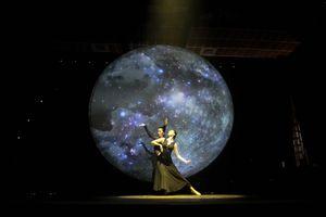 Riyo Mori- Linh Nga thân thiết trên sàn tập