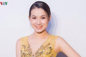 Thùy Lâm tái xuất cùng dàn người đẹp tại sự kiện của NTK Lê Thanh Hòa