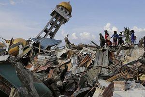 Indonesia yêu cầu nhân viên cứu trợ nước ngoài trong thảm họa sóng thần 'rời đi ngay lập tức'