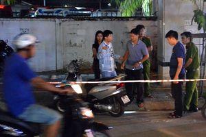 Nam thanh niên bị đâm gục trong đêm ở Sài Gòn
