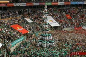 Cuộc thi xây tháp người cao hơn chục mét tại Tây Ban Nha