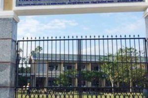 Quảng Ngãi: Thầy giáo nghi bị bệnh tâm thần tạm thời nghỉ dạy