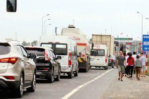 Trạm thu phí BOT Ninh Lộc tiếp tục xả trạm