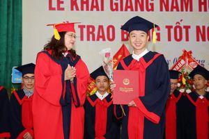 Trường ĐH Sư phạm Kỹ thuật Vinh, Nghệ An khai giảng năm học mới
