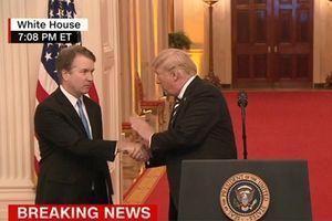 Tổng thống Trump 'thay mặt nước Mỹ' xin lỗi tân thẩm phán Tòa án tối cao