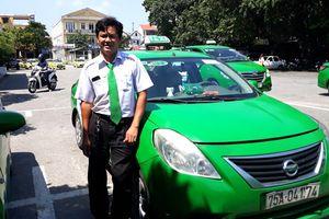 Tài xế giúp sản phụ sinh bé gái 2,1kg ngay trên taxi