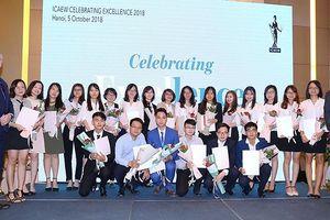 ICAEW trao chứng chỉ CFAB cho 54 học viên tốt nghiệp đầu tiên tại VN