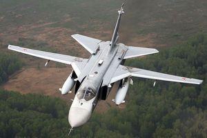 10 máy bay Su-24 đồng loạt tấn công 'tổng hành dinh kẻ thù'