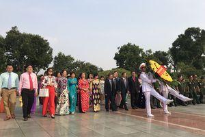 Kỷ niệm Ngày Doanh nhân Việt Nam: VINASME dâng hương tưởng nhớ các Anh hùng liệt sĩ