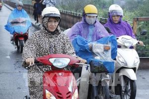 Sáng sớm 10/10, Hà Nội có mưa rào và dông, trời chuyển lạnh
