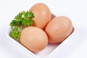 Ăn trứng với hạt tiêu đen mang lại lợi ích sức khỏe tuyệt vời thế này