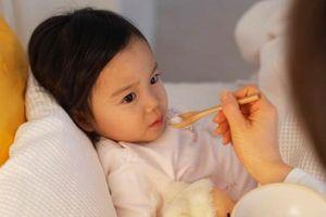 Viêm dạ dày ở trẻ: Nên ăn gì để nhanh khỏi bệnh?