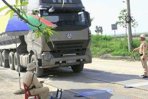 Hà Tĩnh: Kiên quyết hạ tải 31 xe vi phạm quá khổ, quá tải