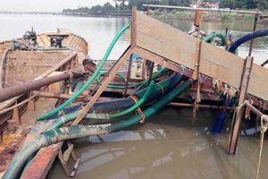 Phối hợp ngăn chặn tình trạng hút cát lậu trên sông