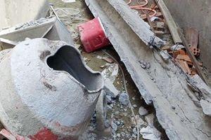 Thợ xây bị khối bê tông rơi trúng tử vong