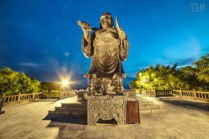 Chiêm ngưỡng không gian 3D tượng Phật Di Lặc chùa Bái Đính