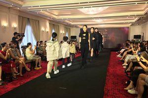 Nhà thiết kế Graeme Armour (Anh) mang phong cách thời trang châu Âu đến Hà Nội