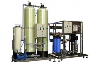 Hệ thống lọc nước tinh khiết bằng màng RO và tia UV