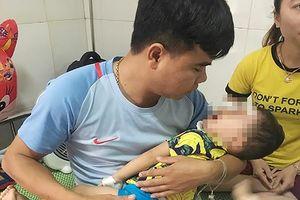 Bé trai 2 tuổi bị chó becgie cắn nát mặt