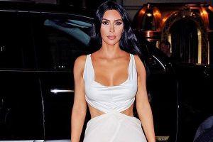 Kim Kardashian và cựu hoa hậu Priyanka Chopra đọ thời trang táo bạo