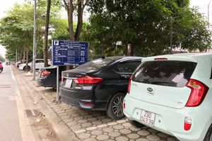 'Loạn' đỗ xe tại các khu đô thị
