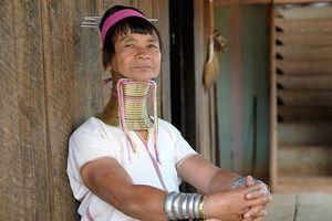 Kỳ lạ bộ tộc cổ dài Kayan ở Myanmar