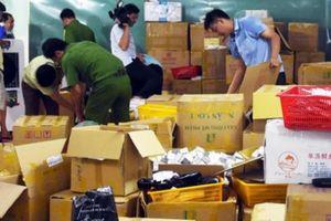 Thông tin mới vụ nhân viên kho hàng mỹ phẩm chống đối ở Cà Mau
