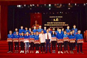 Học bổng Tân Trào tiếp sức HS-SV Tuyên Quang vượt khó đến trường