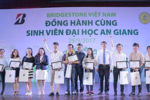 Đồng hành sinh viên Việt: Kiến tạo 'Tâm' và 'Tài'