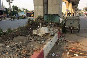 Hành lang đường sắt Cát Linh - Hà Đông thành nơi chăn gà, đốt rác