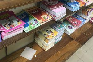 Học sinh làm bài tập vào sách giáo khoa là 'theo nghị quyết Quốc hội'?