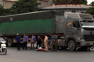 Tai nạn giao thông QL1A khiến 2 người bị bánh xe tải đè tử vong