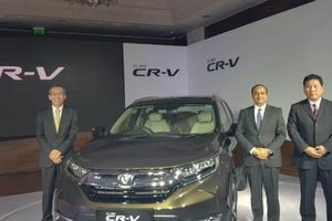 Honda CR-V 7 chỗ ngồi thế hệ mới vừa ra mắt người dùng Ấn, giá từ 884 triệu đồng