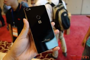 Đâu sẽ là smartphone ngáng đường Bphone 3?